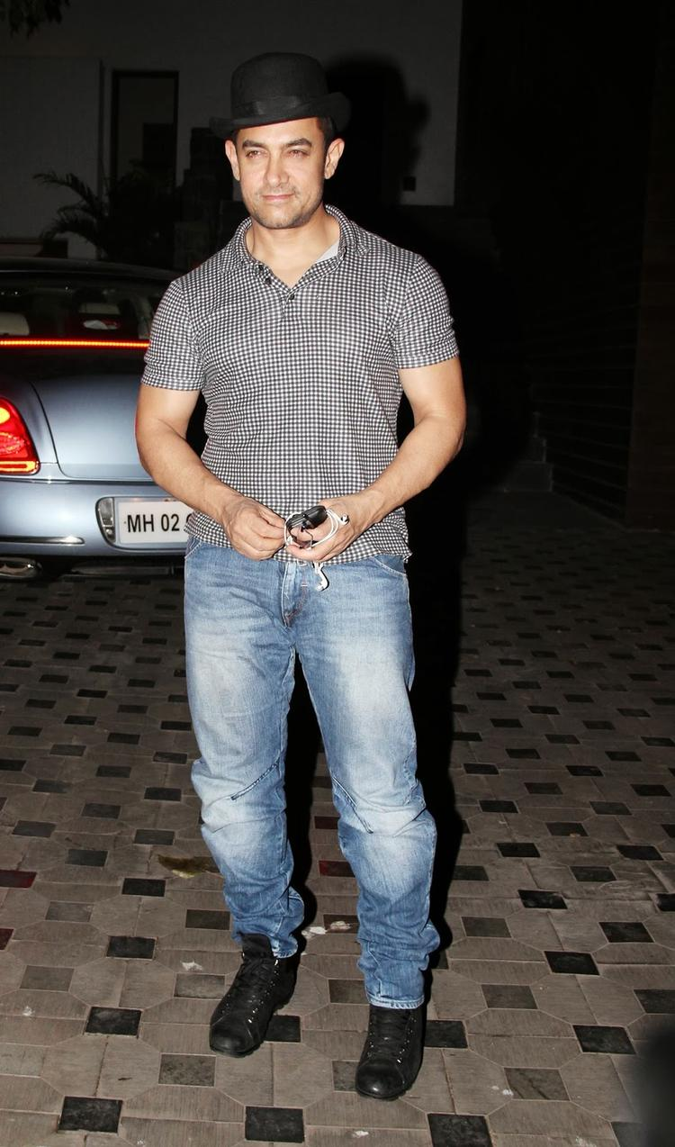 Aamir Khan Stunning Dapper Look At Mansoor Khan's Wedding Anniversary