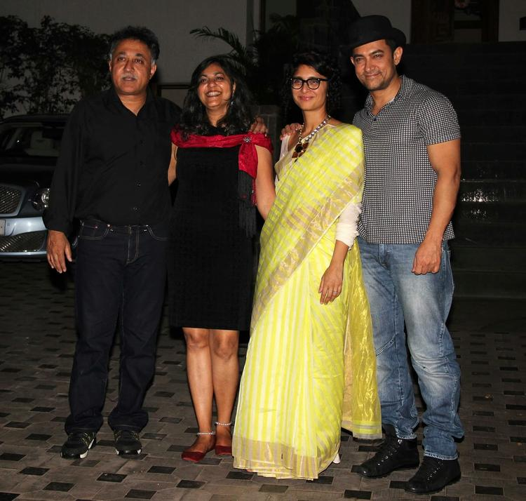 Mansoor With Wife Tina And Kiran With Hubby Aamir Clicked At Mansoor Khan's Wedding Anniversary