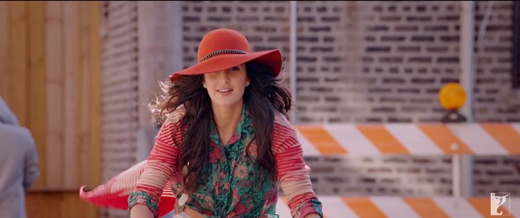 Katrina Kaif  Stunning And Beautiful Still From Dhoom 3 Tu Hi Junoon Song