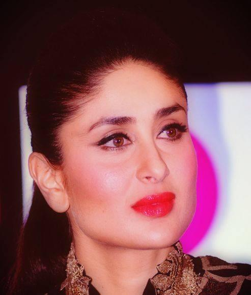 Kareena Kapoor Khan Gorgeous Look In Red Lippy At Women's Prevention App VithU Launch Event
