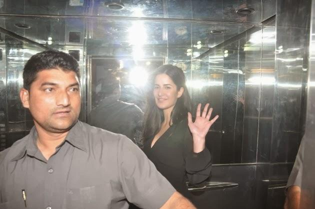 Gorgeous Katrina Waves To The Gathered Shutterbugs At The Special Screening Of The Hollywood Movie The Wolf Of Wall Street