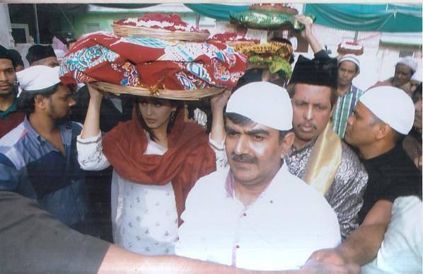 Huma Visited Ajmer On 21st December To Get Blessing For Dedh Ishqiya