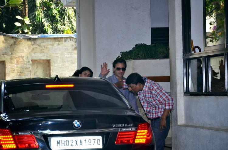 Kareena And Saif Attended Their Grand Uncle's Shashi Kapoor's Christmas Brunch In Mumbai