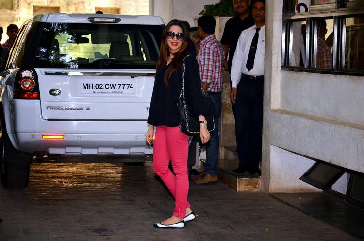 Karisma Kapoor Attend Grand Uncle's Shashi Kapoor's Christmas Brunch In Mumbai