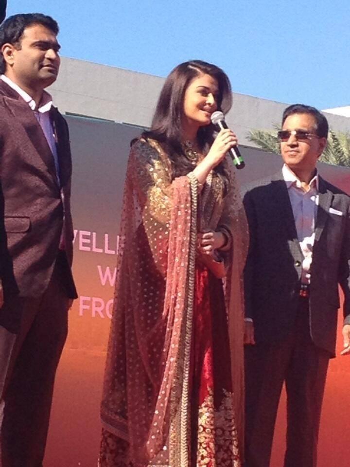 Aishwarya Rai Launches 6th Kalyan Jewellers' Store Event In Dubai
