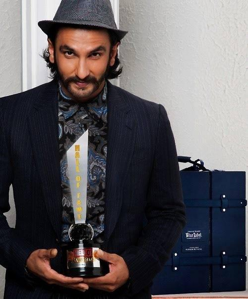 Ranveer Singh With The Hello Hall Of Fame Magazine Award 2013 In Mumbai