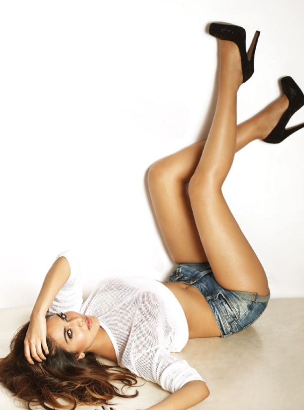 Vaani Kapoor Latest Hot Pose Photo For FHM Magazine 2014 Issue