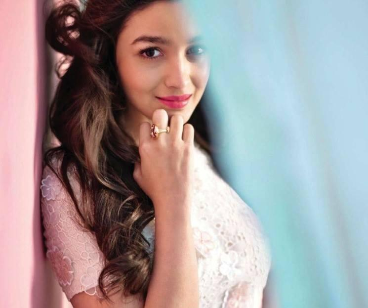 Alia Bhatt Cute Sweet Smile Pose For Elle India Magazine January 2014 Issue