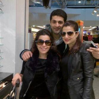 Ameesha Patel Posed WIth Friends At Amsterdam, Netherlands