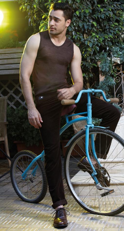Imran Khan Hot Body Sizzling Pose Shoot For Noblesse India Magazine January 2014 Issue