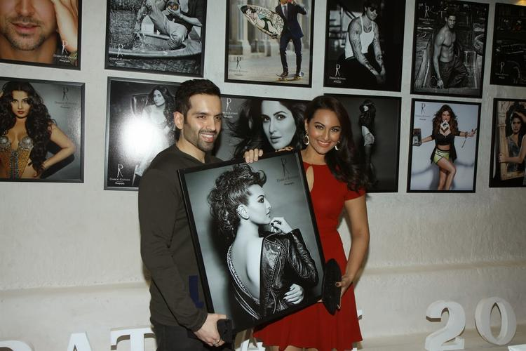 Luv Sinha With Sis Sonakshi At Dabboo Ratnani's 2014 Calender Launch Event
