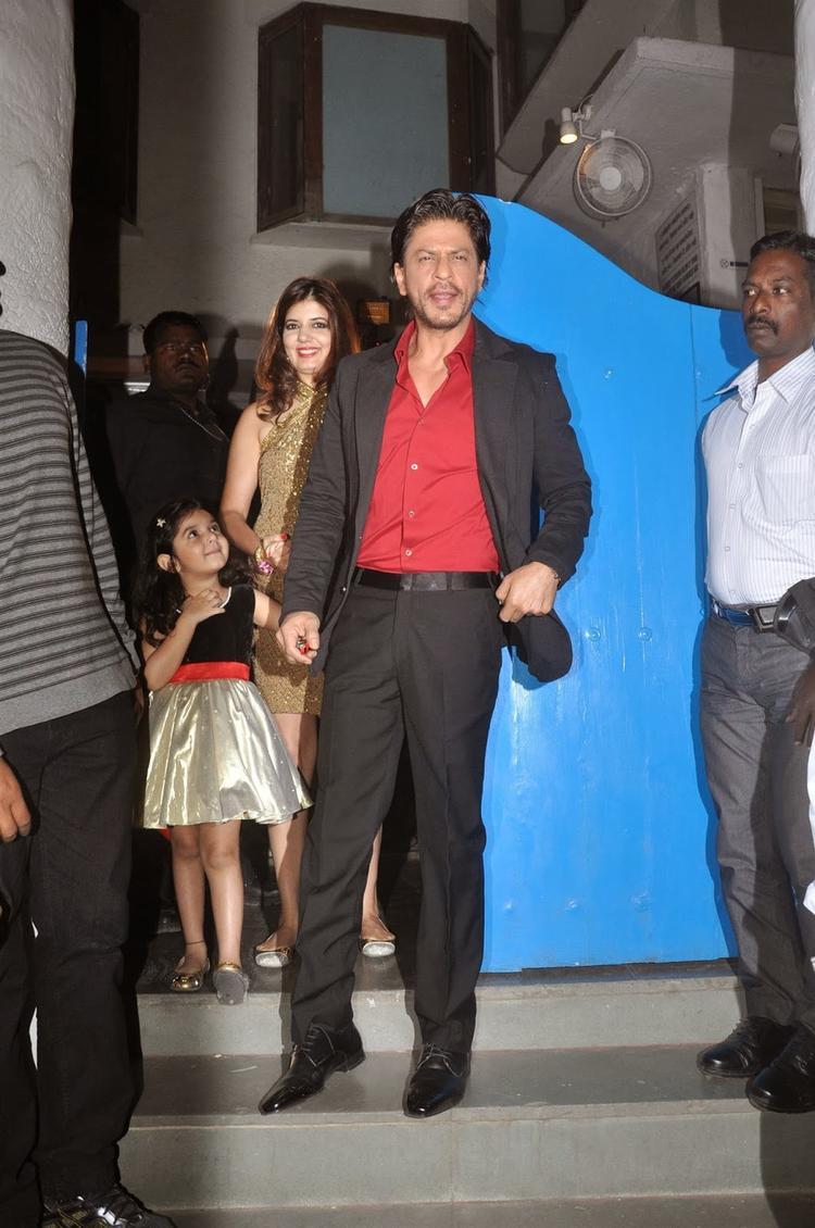 Shahrukh Khan Attend Dabboo Ratnani's 2014 Calendar Launch Event