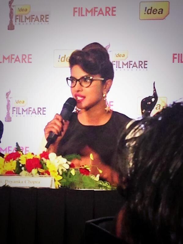 Priyanka Chopra Unveils The Special 3d Filmfare Trophy