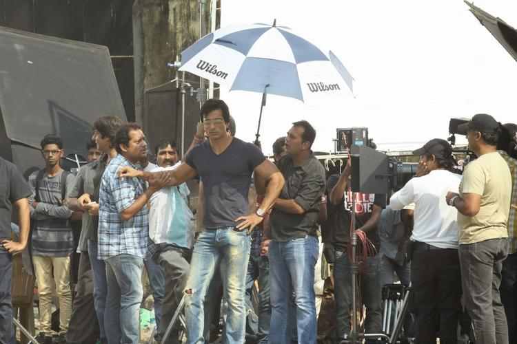 Sonu And Prabhu Dheva Take A Break Under Some Shade On The Sets