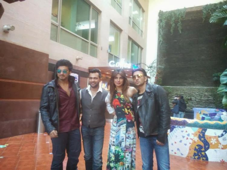 Arjun,Ali Abbas,Priyanka And Ranveer Posed At Gunday Music Launch Event