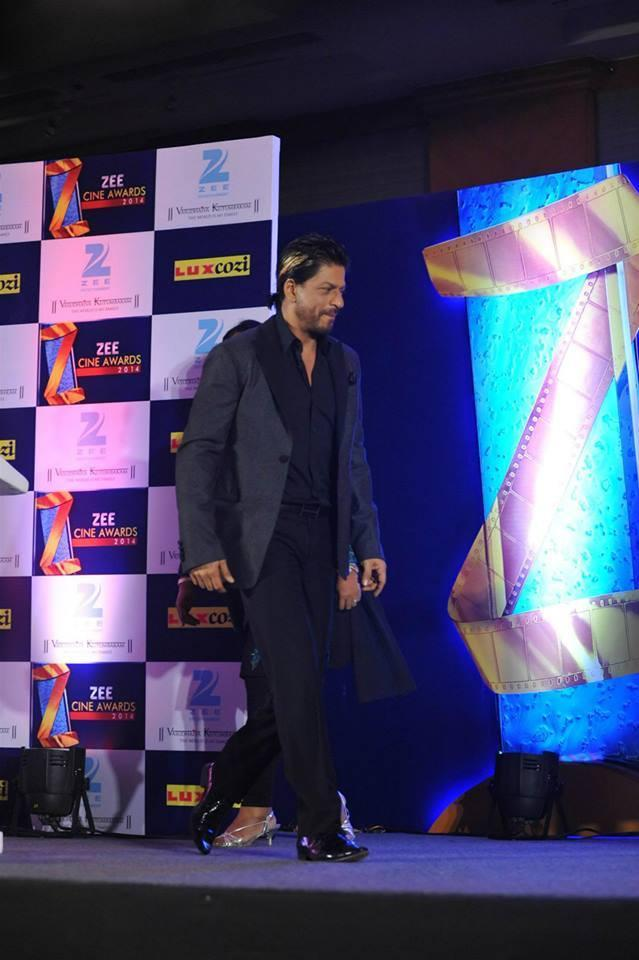 Shahrukh Khan Handsome Look At Zee Cinema Awards 2014 Press Conference Promotional Event