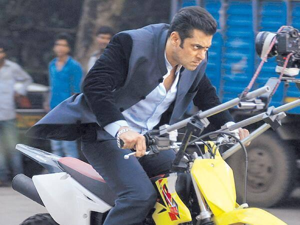 Salman Khan On Bike With Angry Look From The Movie Jai Ho