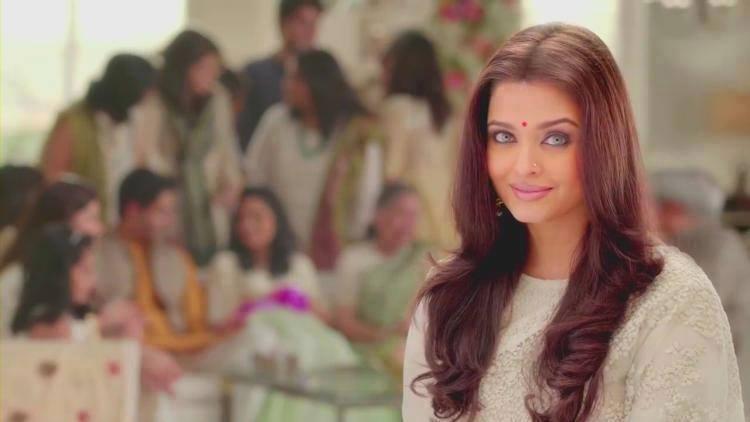 Aishwarya Rai Bachchan Hot Eyes Look For Lifecell Godh Bharai TV Ad 2014