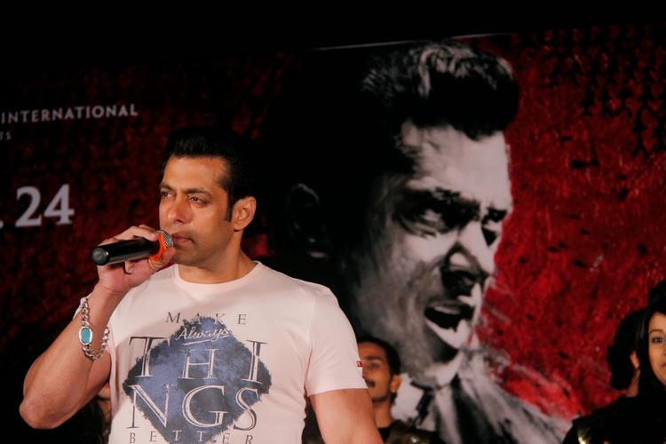 Salman Khan Addressing Media During The Jai Ho Film Promotion At Inorbit Mall