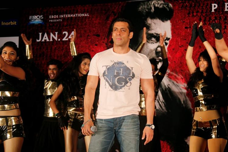 Salman Khan Arrives At Inorbit Mall For Jai Ho Film Promotion