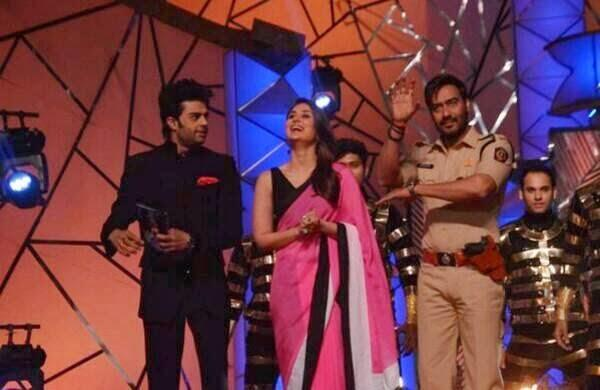 Ajay,Kareena And Manish On The Stage Of  Umang Police Show 2014