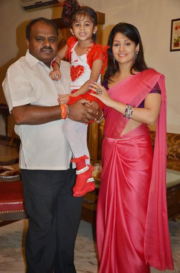 H. D. Kumaraswamy And Wife Radhika Posed With Daughter At Her Daughter Shamika's Birthday Bash