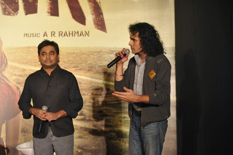 Imtiaz Ali Say Something During The Press Conference Of Highway In Mumbai