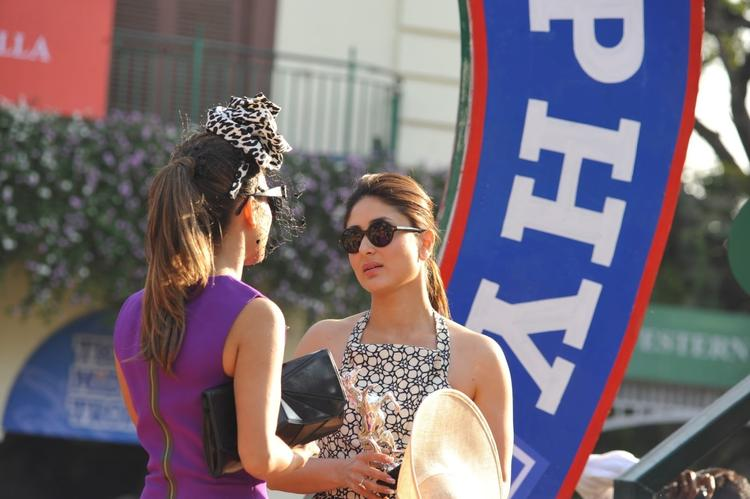 The Mid-Day Trophy Race Event Kareena Kapoor Sizzling Pic With Sunglasses