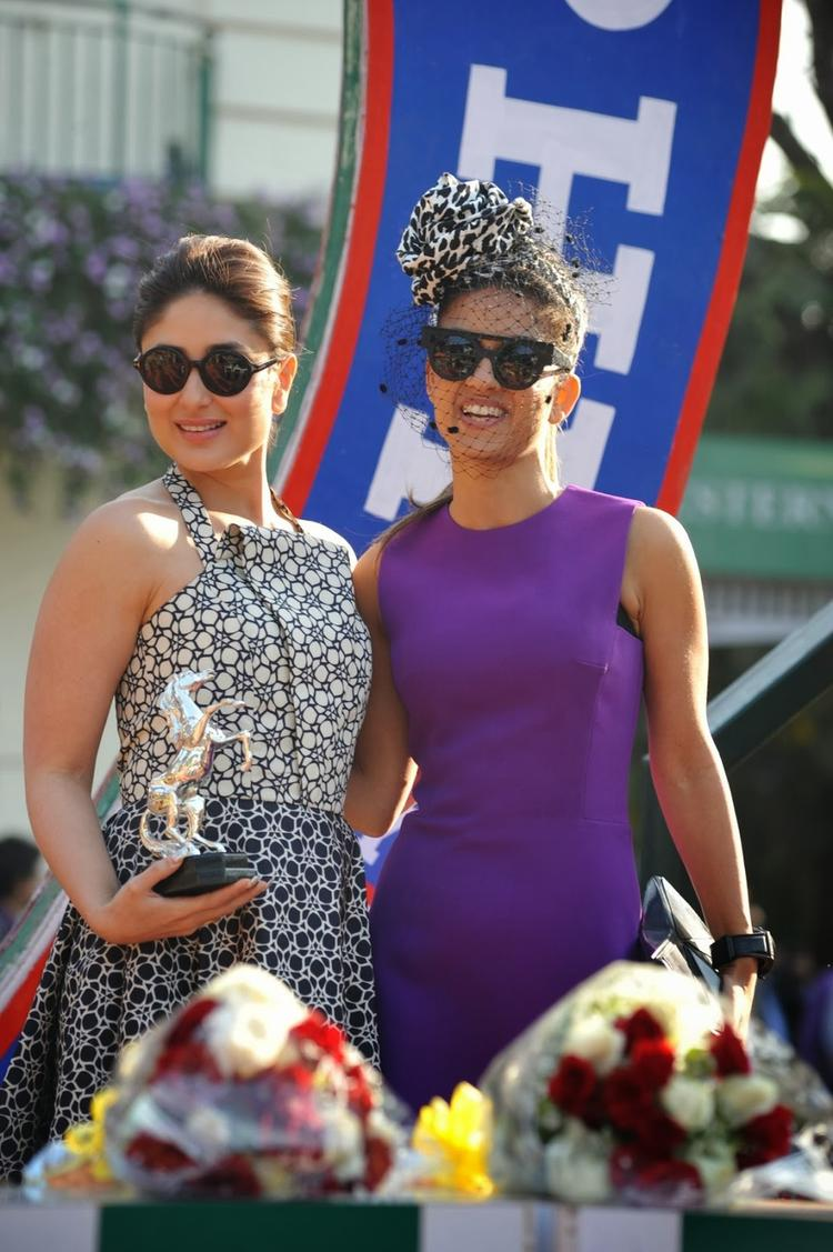 The Mid-Day Trophy Race Event Kareena Kapoor Sweet Sexy Pose For Photo Shoot
