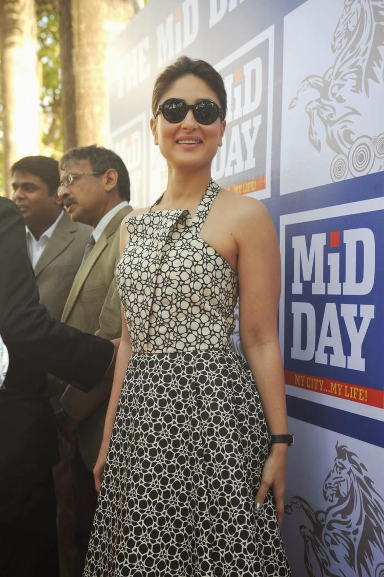 Sexy Kareena Kapoor Look Pretty At The Mid-Day Trophy Race Event