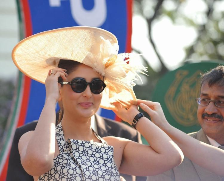 Style Icon Kareena Kapoor Looks Elegant At The Mid-Day Trophy Race Event