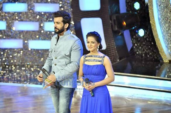DID Season 4 Anchor Ishita And Jai Nice Stunning Pic On Stage