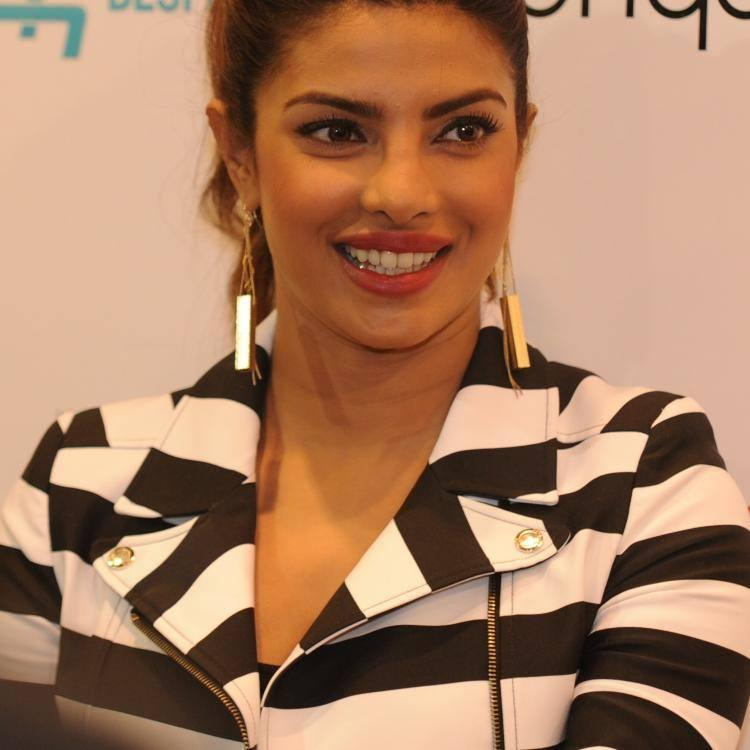 Sizzling Priyanka Chopra Met Fans In London At The GUESS Regent Street Store