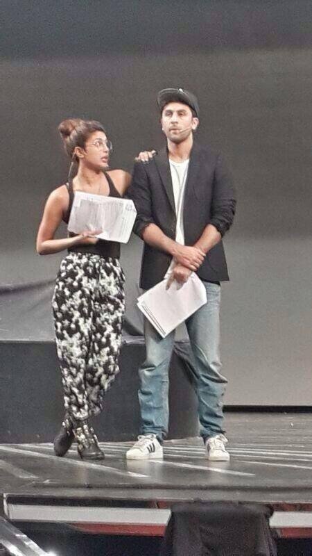 Priyanka Chopra And Ranbir Kapoor Cool Look During The Rehearse For 59th Filmfare Awards Ceremony