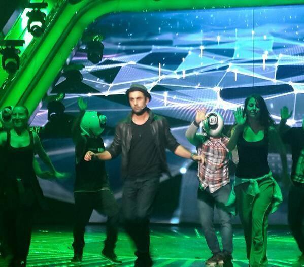 Ranbir Kapoor Rocked On Stage For 59th Filmfare Awards Ceremony