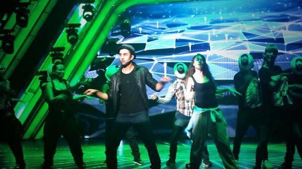 Ranbir Kapoor Shakes His Legs On The Stage For 59th Filmfare Awards
