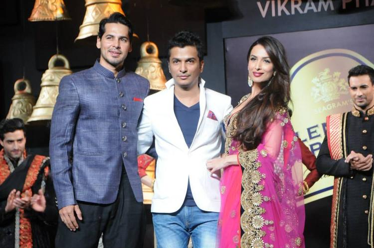 Malaika Arora Khan And Dino Morea With The Designer Vikram Phadnis At Blenders Pride Fashion Tour 2013