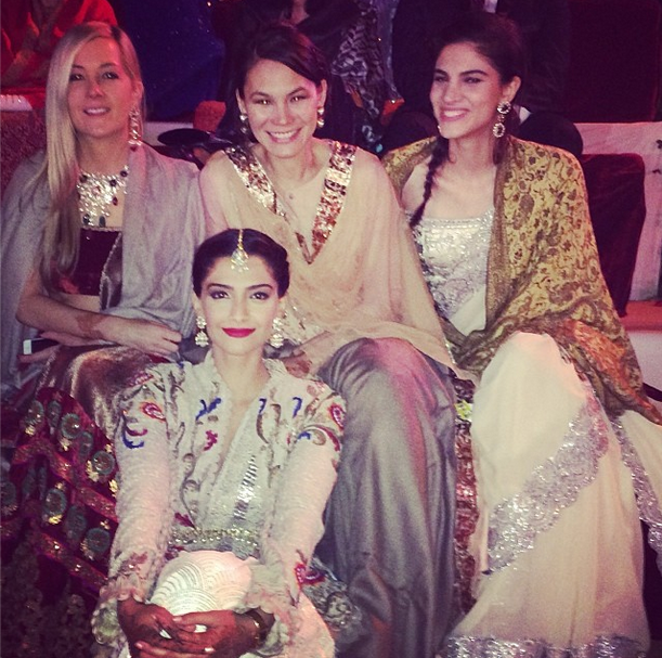 Sonam Kapoor Photo Shoot With Relatives At Cousin Brother's Wedding Ceremony