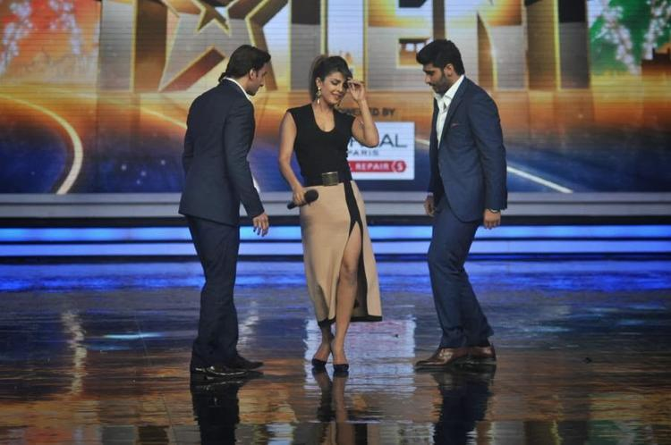 Arjun,Priyanka And Ranveer Dance On Stage Of India's Got Talent To Promote Their Movie Gunday