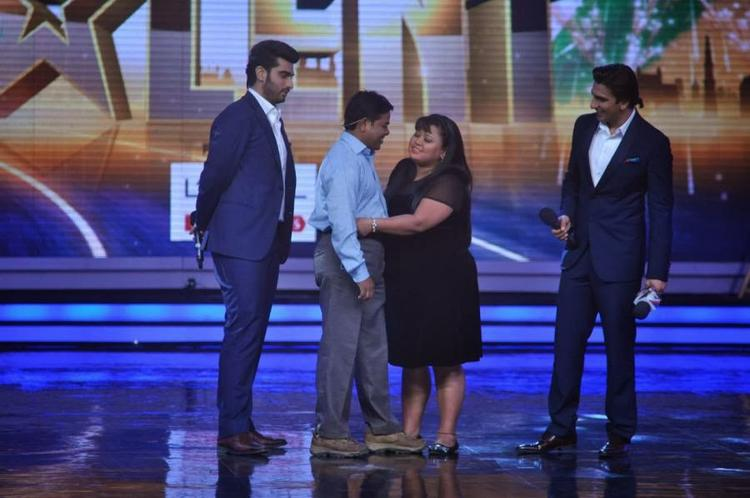 Bharti Pulling The Shirt Of A Contestant On The Stage Of IGT Season 5