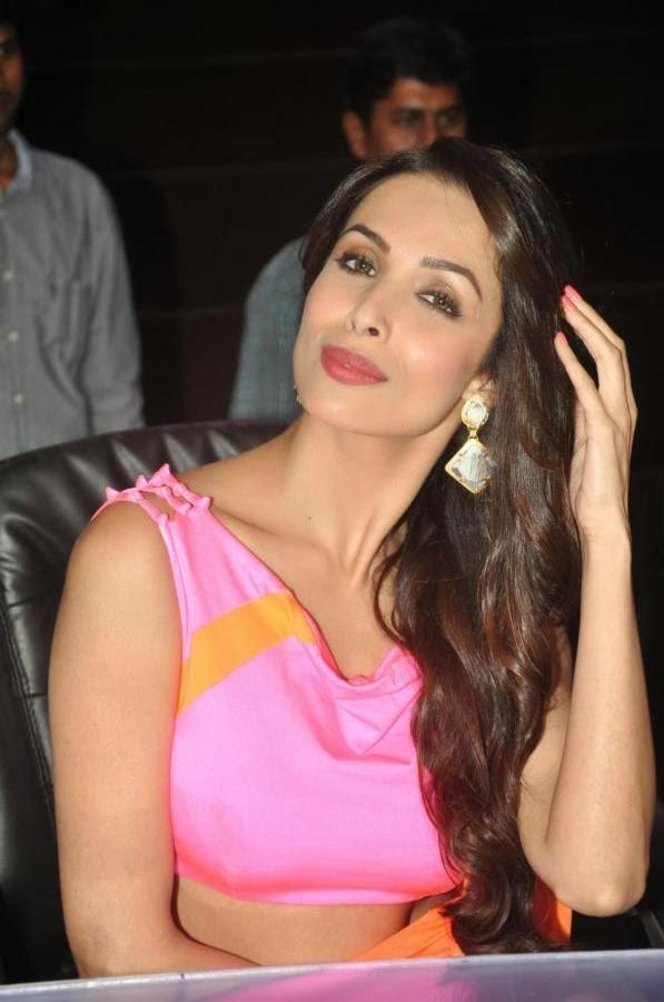 Malaika Arora Charming Look At IGT
