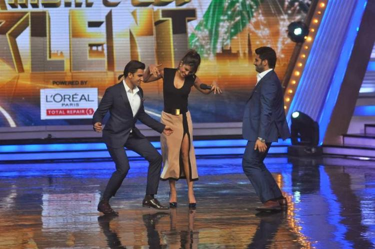 Priyanka,Ranveer And Arjun Perform On Stage Of India's Got Talent To Promote Gunday