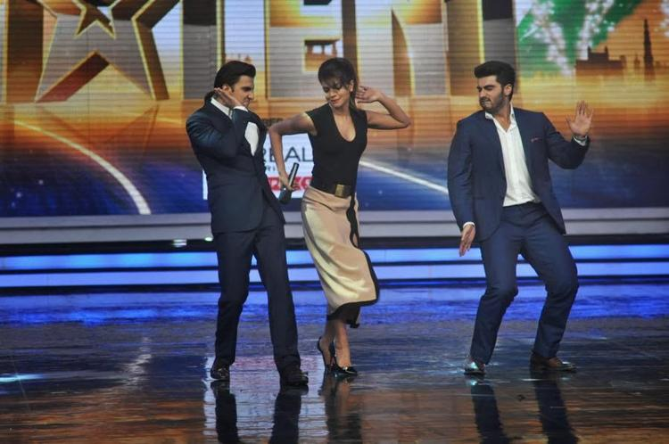 Priyanka,Ranveer And Arjun On Stage Of India's Got Talent To Promote Gunday