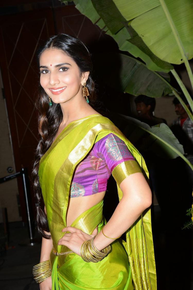 Stunning Vaani Sweet Smile At Aaha Kalyanam Audio Launch Event