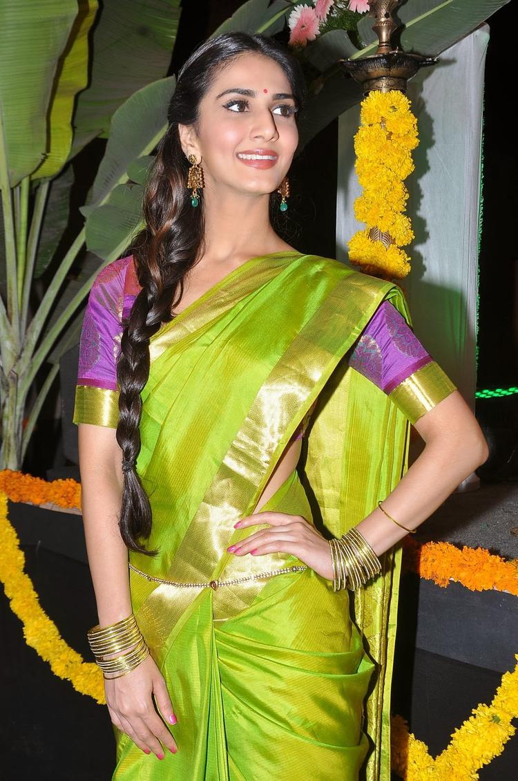 Vaani Kapoor Pretty Still At Aaha Kalyanam Audio Launch Event