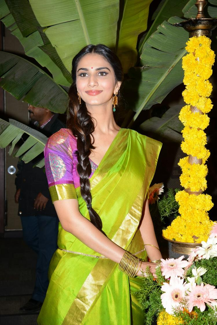Vaani Kapoor Strikes A Sizzling Pose At Aaha Kalyanam Audio Launch Event