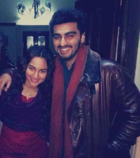 Arjun Kapoor And Sonakshi Sinha Cool Laughing Pose On The Sets Of Tevar