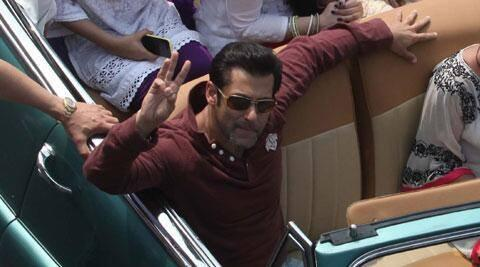 Salman Khan Beaming His Fans At Mumbai's Republic Day Parade