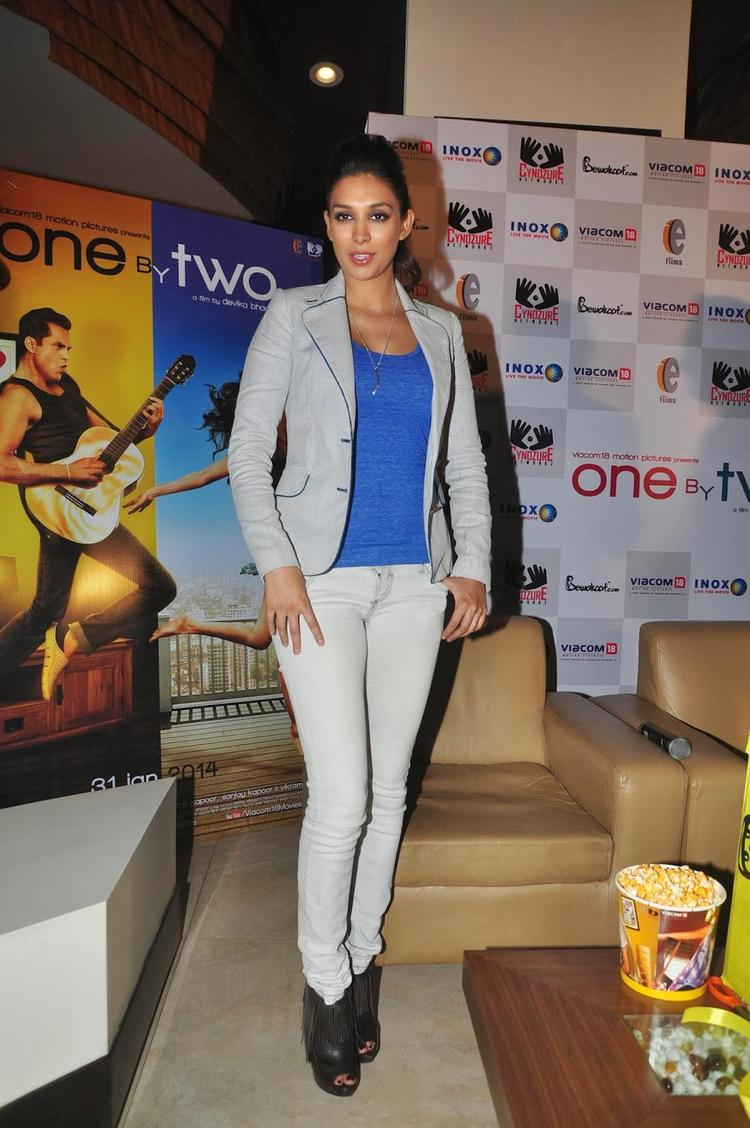 Preeti Desai Looks Hot In This Outfit At One By Two' Merchandise Event