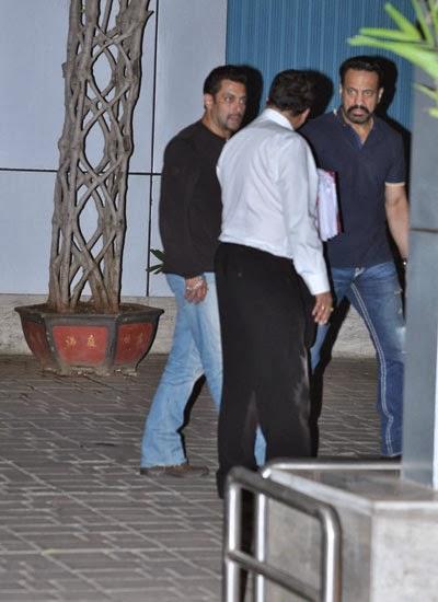 Salman Khan Spotted At Mumbai When He Returns From Jodhpur